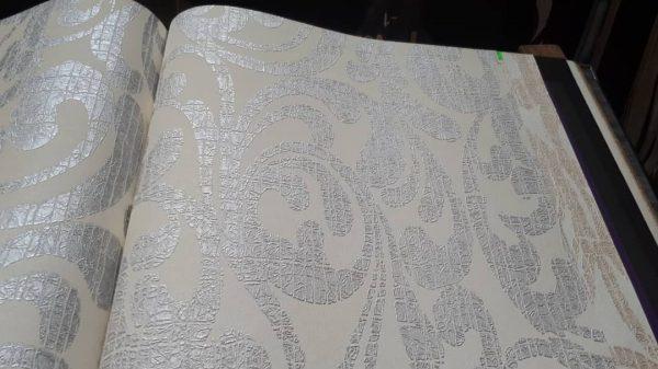 کاغذ دیواری طرح دار سفید