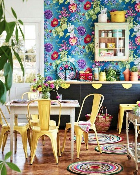 کاغذ دیواری گل دار آشپزخانه